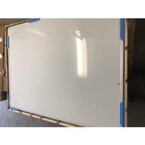 Magnetická tabule OfficeTECH, hliníkový rám výrobní vada